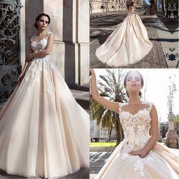New Saudi Arabic 3D-floral Appliques A-line Wedding Dresses Flowers Button Back Chapel Train Elegant Bridal Gowns Vestios De Novia