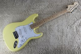 Right body & Left Handed Headstock Yellow Custom Stratocaster Maple Fingerboard Cream Electric Guitar Standard Chrome Hardware