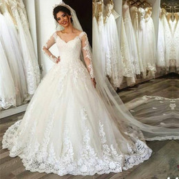 2018 Vintage V Neck Lace Wedding Dresses A Line Sheer Long Sleeves Appliques Plus Size Cheap Wedding Gowns BA7234