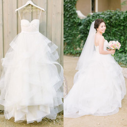 Wholesale Romantic Summer Organza Wedding Dresses Bride Strapless Sweetheart Neckline Crisscross Pleats Asymmetric Tiers Country Princess Bridal Gowns