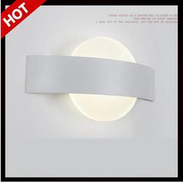 Acheter en ligne Dans la lumière conduit 6w-Lampe 6w moderne Led mur Avec forme carrée up down lumière salle de bain lit de vie des ménages lumières en aluminium à côté lampe pour la lecture