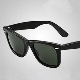 Descuento lentes polarizadas Las gafas de sol calientes del diseñador de la marca de fábrica UV400 para las mujeres forman la lente de cristal polarizada de los hombres de la alta calidad con la caja clásica de cuero 50 / 54MM de las gafas de sol