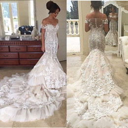 2017 Luxury Mermaid Wedding Dresses Strapless Tiered Chapel Bridal Gowns with Lace Appliques Off Shoulder Wedding Gowns Fast Shipping
