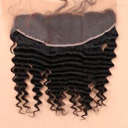 Descuento 7a encierro del pelo de la onda profunda 7A Encierro frontal de encaje lleno 13x4 oído brasileño del pelo humano de la onda rizada profunda de la onda al pedazo delantero del cordón de la tapa del oído Precio al por mayor