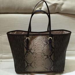 Wholesale AE069 Modern Fashion grapheme prints serpentine accessories patchwork Women lady girl handbag shopper tote bag casual tote ms