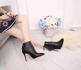Acheter en ligne Longue en cuir femmes boot-Les femmes en cuir véritable bottes longues bottes courtes 2016 Chaussures Automne Hiver Mode Femmes Talon Chunky chaud travail Bottes de neige chaussures à talons hauts