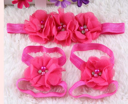 2017 sandalias de perlas flores 2016 Flor descalza del nuevo bebé con los zapatos de la flor del pelo de los pies de la perla calza los accesorios del pelo de los accesorios del pelo de las sandalias del bebé de los accesorios del hairbands de las vendas fijados presupuesto sandalias de perlas flores