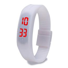 Descuento relojes de pulsera piezas 500 Piezas del hombre caliente de la manera del silicón del caramelo de la correa de la pantalla táctil del dial del cuadrado digital LED impermeable del reloj del deporte Reloj de pulsera para niños
