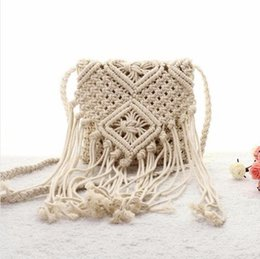 2016 New fashion women messenger bag Korean Handmade straw bag tassel Crossbody Bohemia beachbag cotton rope woven shoulder bag