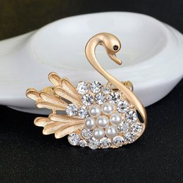 Wholesale Fashion Little Swan Brooch Peal Rhinestone Brooches Vintage Brooch Pins Ladies Accessories Corsage Beautifull Pins For Women Jewery