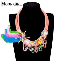 100% Crystal flower pendant statement necklace classic fashion Bohemia jewelry display Rope Chain Feather Choker necklace for women
