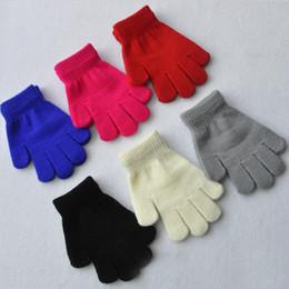 Gants enfants bébé hiver d'enfants Gants Couleurs unies Finger complet Gants stretch Gants Étudiants Filles Garçons moufles chaudes 6 Couleurs Tricoté à partir de garçons doigt moufle fabricateur