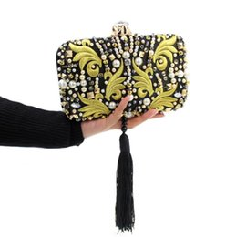 Wholesale 2016 high end European and American trade diamond tassel embroidery evening bag banquet