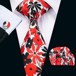Fashion Mens Printed Ties Black Green Red Floral Business Wedding Silk Tie Set Include Tie Cufflinks Hankerchief Freeshipping N-1238