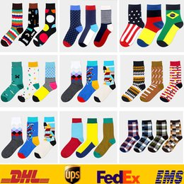 Wholesale New Casual Long Cotton Mid Stocking Chaussettes Multi Color Fashion Dress Hommes Femmes Chaussettes British Happy Basketball Socks HH S19