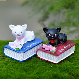 Cute black and white cats on book fairy garden miniatures gnomes moss terrariums resin craft for diy home decorations accessories