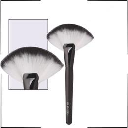 Wholesale Cosmetic Fan Brushes Wholesale - Large Fan Brush Blush Powder Foundation Make Up High Quality Best Price Wholesale Cosmetics brushes Synthetic Hair