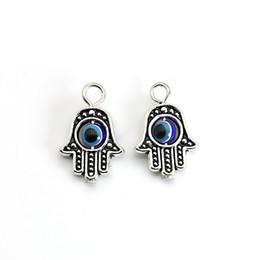Malos encantos ojo azul en Línea-10PCS plateado plata tibetana azul Mano de Hamsa del encanto del ojo malvado de la caída caben pulsera collar pendiente y accesorios de bricolaje 18x13mm