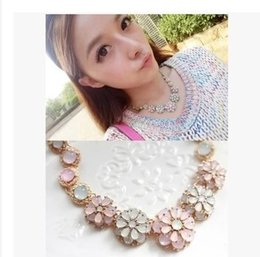 Fashion Lovely Womens Rhinestone Flower Necklace Jewelry Macaroon Ice Cream Candy Crystal Wedding Flower Necklace Bib Statement Necklaces