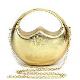 Luxury Love Heart Designed Brand Evening Bags Elegant Alloy Women Clutch Handbag Frame Party Purse Chain Messenger with Handle