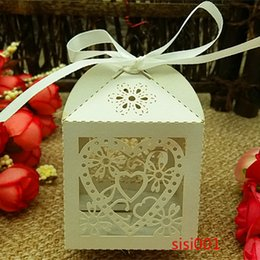 2016 50pc Laser Cut White heart wedding favors and giftss in pearlescent paper box,baby shower party show candy box(with ribbon)