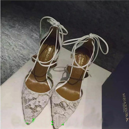 Wholesale Straw High Heeled Pumps - New Fashion Genuine Leather Aquazzura Matilde Lace Leather Bridal Pumps Shoes