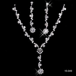 Wholesale 2016 New Cheap Silver plated Holy White Rhinestone Crystal Flower Earring Set Necklace Set Bridal Jewelry