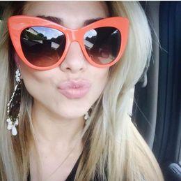 Wholesale NStella McCartney Gato observó las gafas de sol Marco naranja como Rihanna con caja Caso nuevo con caja