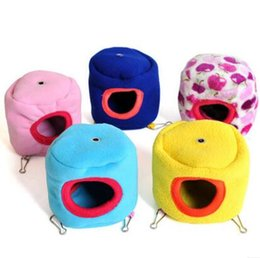 Wholesale Lovely Tree Stump Shape Small Pet Bed Hamster Cage Bed Toy Gerbil Cages Accessories Toy With Mat