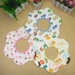 Wholesale maternal and child supplies baby cotton bibs with strawberry pattern layers and buttons to adjust neck saliva towel