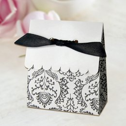 Wholesale 120 China hot sale cheap paper boxes wedding sweet boxes antique chocolate boxes FB1202