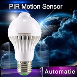Wholesale PIR Motion Sensor Lamp w Led E27 Bulb w w Auto Smart Led PIR Infrared Body Lamp With The Motion Sensor Lights