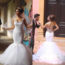 Hot Sale Arabic Wedding Dresses Mermaid Style Crystals Neckline Beaded Lace Appliques See Through Illusion Back Trumpet Tulle Bridal Gowns