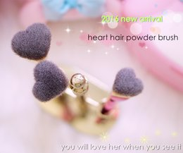 Wholesale Brand Professional it Makeup Brushes pink gold cosmetics heart love is the foundation conference powder contour make up brushes