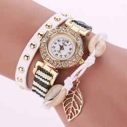 Descuento relojes de pulsera piezas 30 piezas nuevas mujeres de la manera del cuero de la hoja del Rhinestone incrustaciones cuerpo del remache Faux trenzado banda reloj de pulsera