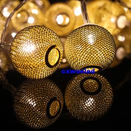 Descuento luces de hadas blancas con pilas con pilas luces de la secuencia de hadas metálicos llevaron balón luces de cadena 2m 20LED cálido de color RGB 3 de la batería energía de la oferta blanca