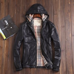 Wholesale Men s genuine leather outerwear coat same as original shoppe copy newzeland import sheepskin high end clothing with hat design fasion