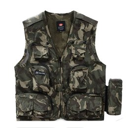 Wholesale Summer Men Outdoor Military Vest With Water Bag Vest Hunting Shooting Photographer Vests with Many Pockets Vest