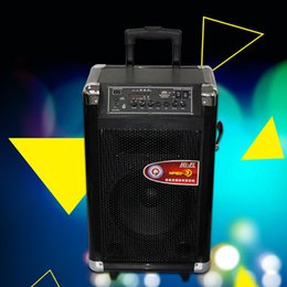 Wholesale Wireless PA Speaker Portable Speaker with rechargeable battery USB MP3 Input wireless microphone