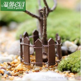 Wholesale Mini Small Fence Barrier Wooden Resin Craft Miniature Fairy Garden Terrarium Branch Palings Showcase Decoration Bonsai terrarium Pot