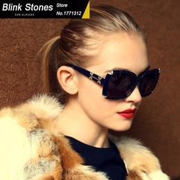 Wholesale hot style brand designer sunglasses women polarized sun glasses fashion adorned with diamonds color oculos de sol feminino