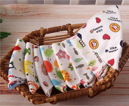 2016 Hot Kids Infant Newborn Baby Bandana Triangle Bibs Towel Saliva Towel Burp Cloths kerchief Cotton Cartoon printed Animal Baby Feeding