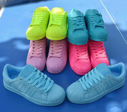 Wholesale Women superstar Pharrell Williams Supercolor Couples Loever sneaker High quality Black White Red Yellow Sports Shoes