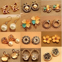 Wholesale Hot Sale Korean fashion jewelry alloy Earring all match gilt full diamond earrings products supply
