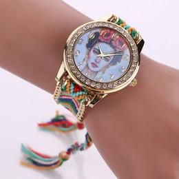 Descuento mujer del estilo de reloj resistente al agua Estilo al por mayor del verano que hace punto el reloj trenzado Relojes famosos de los Rhinestones de la manera de la marca de fábrica de Gato Señora impermeable Reloj de la mujer