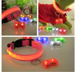 Wholesale cheap led pet pendant LED luminous pet pendant anti lost pendant pet accessories safety flash Dog Tag Pendant colors for the hig