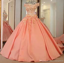 Wholesale Beautiful Flower Girls Dresses Off Shoulder With Applique Beaded Pageant Gowns Back Lace up With Big Bows Custom Made Formal Party Dress