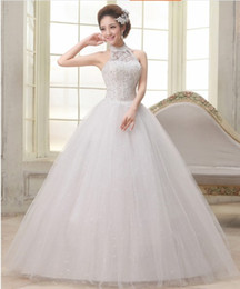 Halt Neck Tulle Ball Gown Wedding Dress With Lace Appliques 2016 Floor Length Bridal Gowns Lace Up