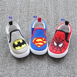 Zapatos de los niños El hombre araña Batman del superhombre embroma las zapatillas de deporte de las muchachas de los muchachos del caminante del bebé del niño del niño primero para las zapatillas de deporte 1-4T B576 desde zapatos de hombre araña para niños fabricantes