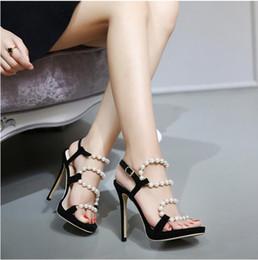 Acheter en ligne Perles de diamant hauts talons-2016 Nouveau style Sexy stilettos diamant rivets talons hauts Banquet luxe élégant perle sandales à talons hauts demoiselle d'honneur taille: U4-9 NN47